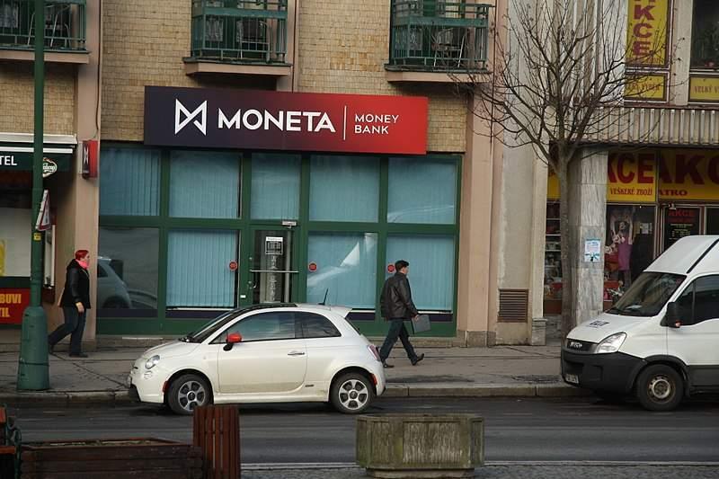 Moneta_Money_Bank_branch_in_Třebíč,_Třebíč_District
