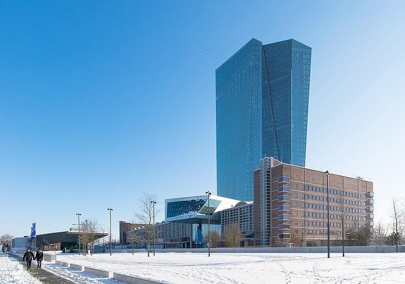 800px-Frankfurt_EZB.Nordwest-2.20141228