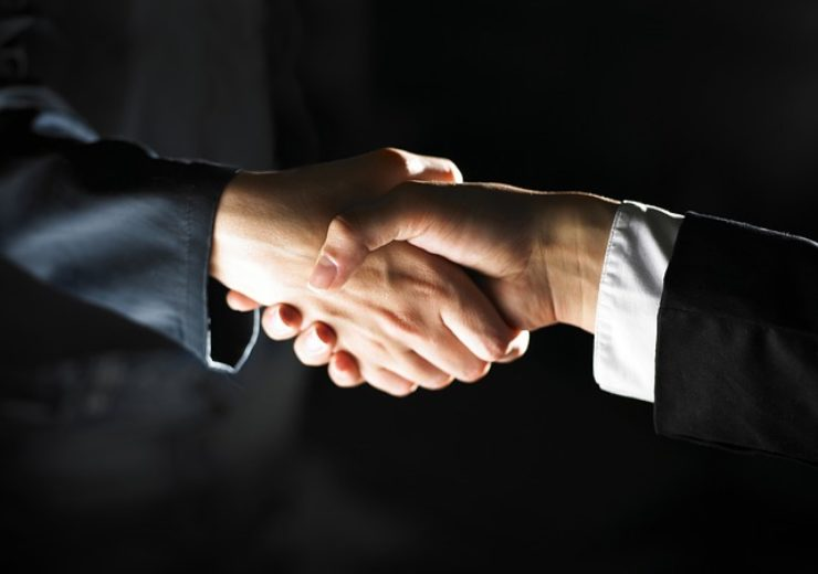 First Community Bankshares to acquire Highlands Bankshares