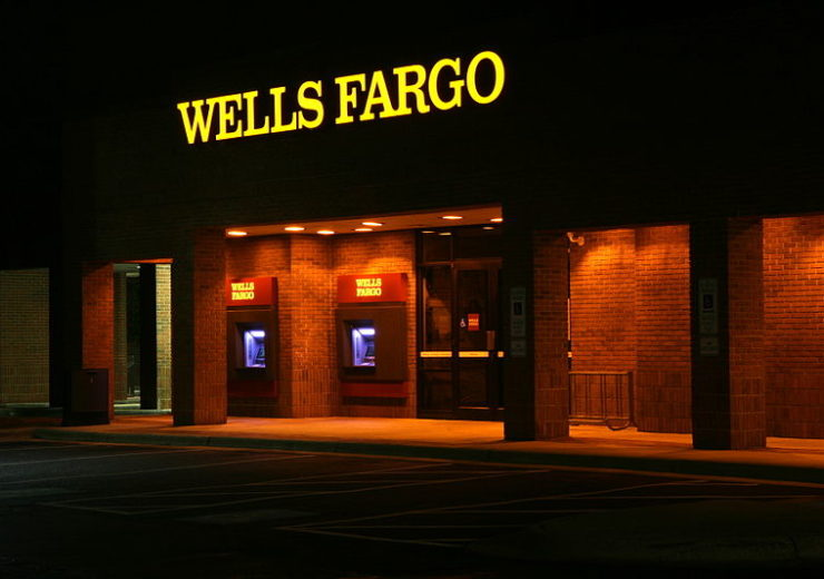 800px-2011-11-22_Wells_Fargo_ATMs_lit_at_night