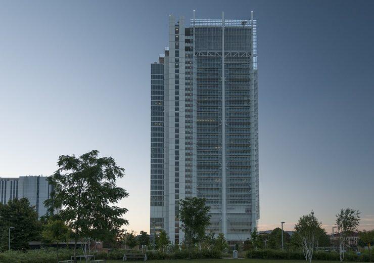 1200px-Grattacielo_Intesa_San_Paolo_-_panoramio_(2) (1)