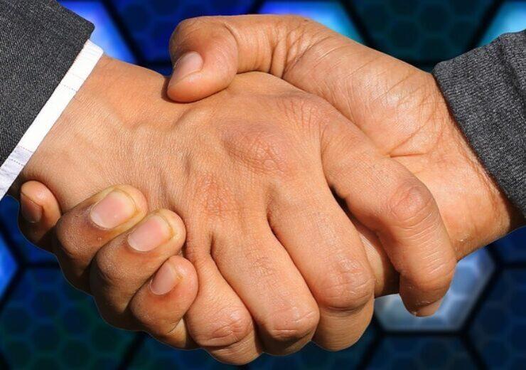handshake-3655926_640-16-740x520