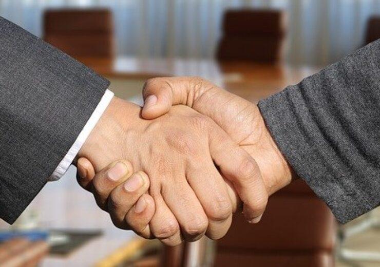 shaking-hands-3091906_640(3)