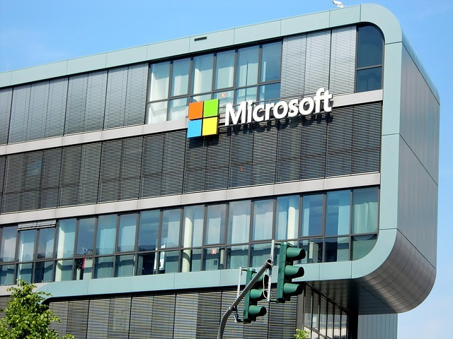 CIBC and Microsoft announce strategic relationship. (Credit: efes from Pixabay.)